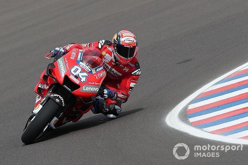 MotoGP: Dovizioso bate Miller por 0s009 e lidera TL2 na Argentina