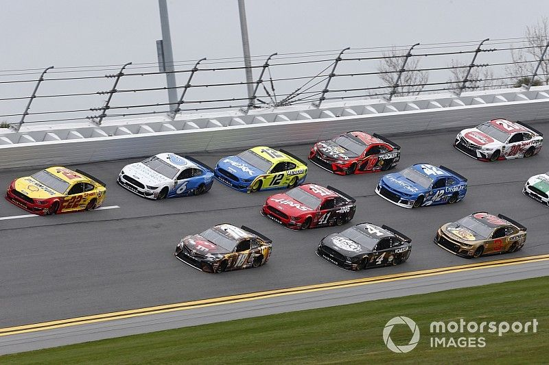 NASCAR Roundtable: Who will win the Daytona 500?