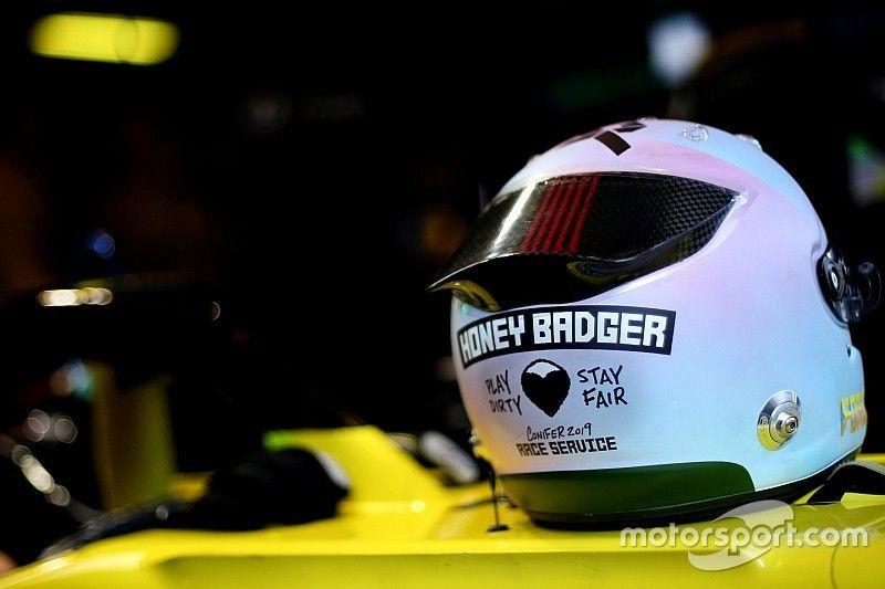 Ricciardo egy modern és művészien menő sisakkal vág neki 2019-nek