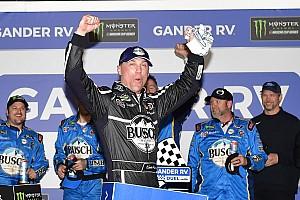 Harvick y Logano ganan los duelos previo a Daytona 500