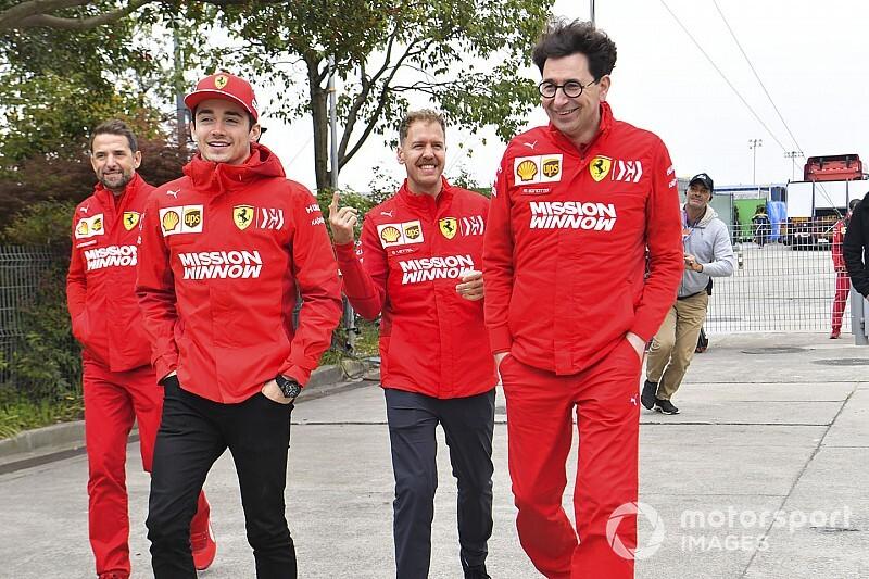 """Ferrari : En cas de """"50-50"""", Vettel garde l'avantage sur Leclerc"""