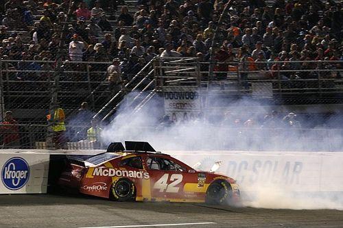 Ganassi apoya a Larson y Chevrolet pese a problemas