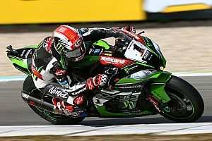 Assen WSBK: Rea beats Sykes by 0.025s to complete double