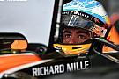 Alonso hoopt dat McLaren snel beslissing neemt over motor
