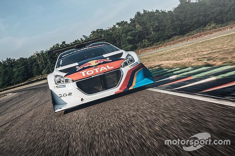 Loeb a repris le volant de la Peugeot 208 T16 Pikes Peak