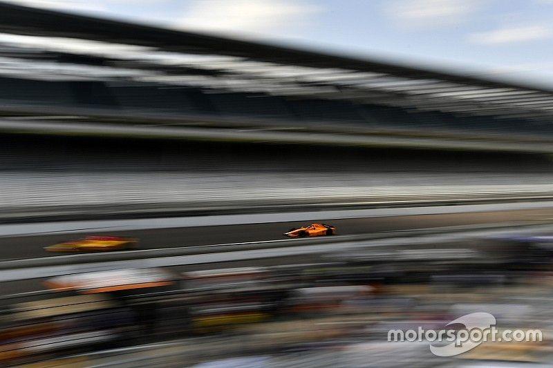 Video: Alonso termina cuarto la jornada del viernes en Indy 500