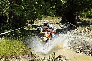 MOTOSİKLET Ön Bakış Enduro ekipleri Kemer'de