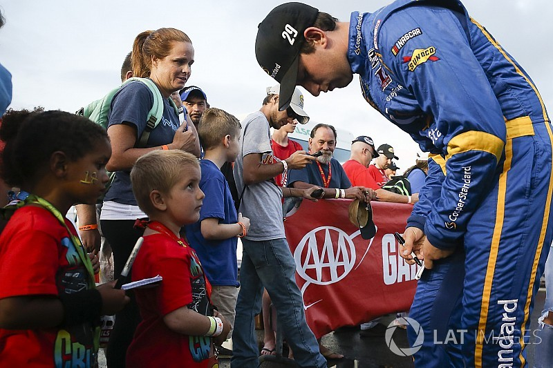 Roundtable: Reaching the younger NASCAR fan