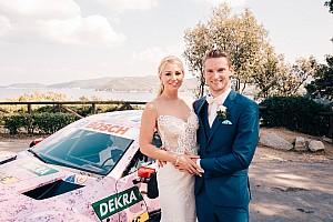 DTM Спеціальна можливість Гонщик Mercedes отримав у весільний екіпаж машину DTM