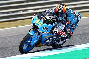 Jerez Moto3: Canet wins through last-corner double overtake