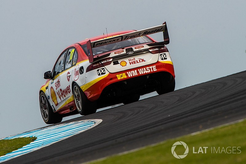 Маклафлин вновь одержал победу в гонке Supercars на «Филипп-Айленде»