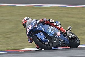 Pasini se llevó una ajustada victoria en Moto2