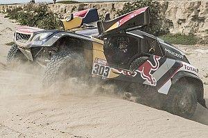 Carlos Sainz califica de difícil el inicio del Dakar