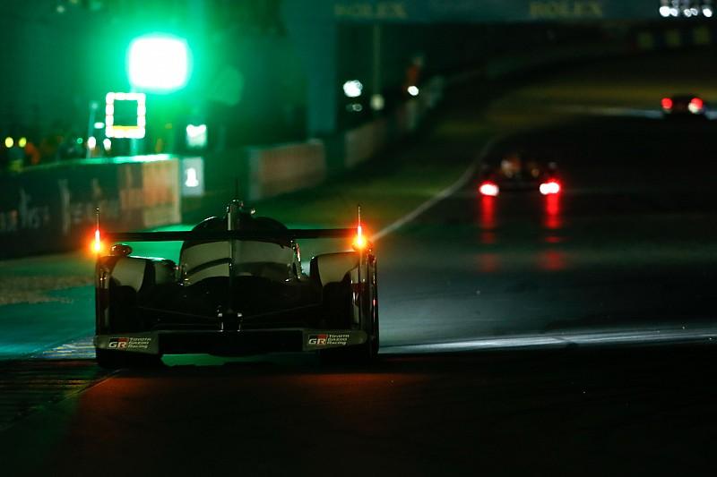 Le Mans 24 Saat - 13. Saat: #8 Toyota farkı 1 dakikanın altına indirdi
