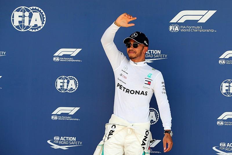 Lewis Hamilton, iki yıl daha Mercedes'te!