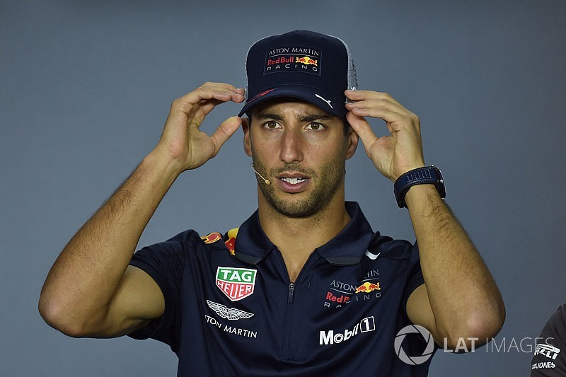 Ricciardo rubbishes Ferrari pre-contract rumours