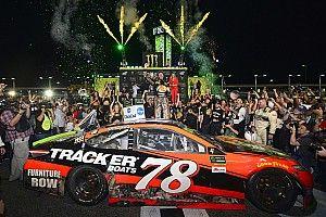 NASCAR Homestead: Kalahkan Kyle Busch, Truex Jr. raih gelar perdana