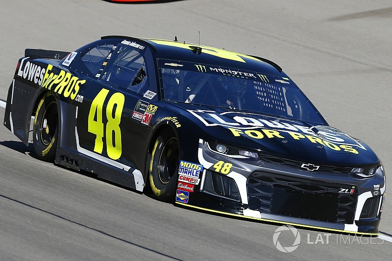 Jimmie Johnson's car chief ejected after failing pre-race inspection