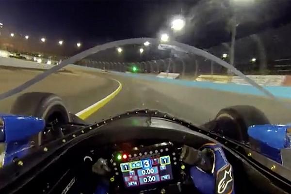Fejkamerás videón a szélvédős IndyCar-teszt, éjszaka