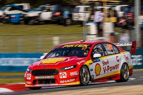 Маклафлин выиграл третью гонку Supercars подряд