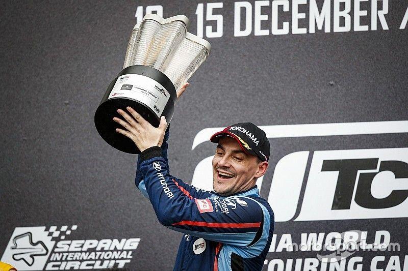 Михелис завоевал титул чемпиона WTCR в финальной гонке сезона
