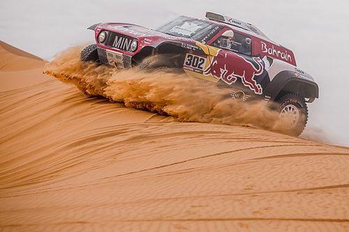 Peterhansel gana camino de Riad y Sainz se aleja