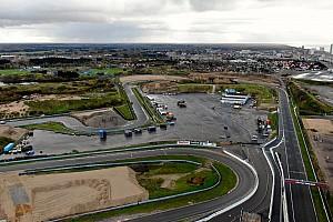 A Red Bull nagy harcot vívott az időjárással Zandvoortban, az F1-es forgatáson