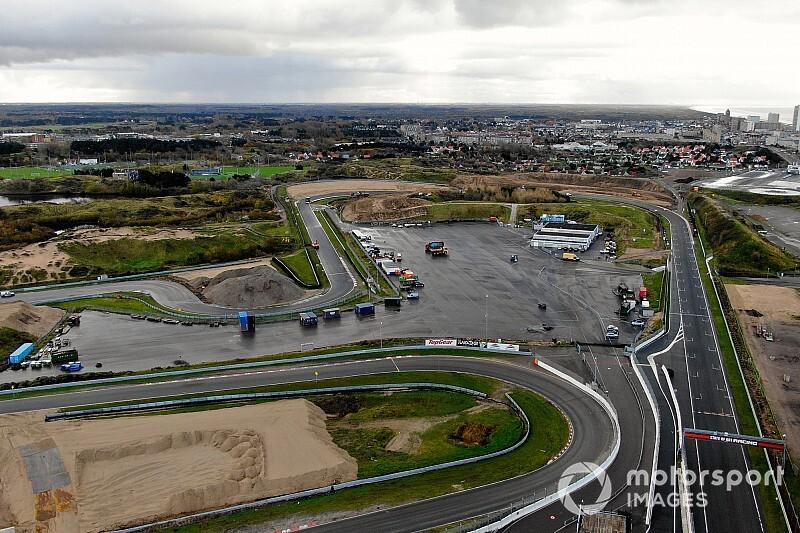 По новой трассе Формулы 1 в Нидерландах проехали полный круг. Видео
