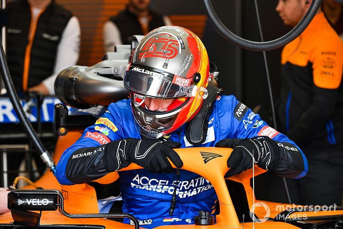 Sainz vuelve a subirse al McLaren