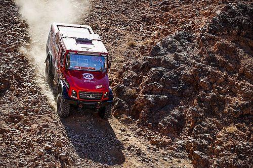 Dakar, Camion, Tappa 2: Viazovich sfida i Kamaz