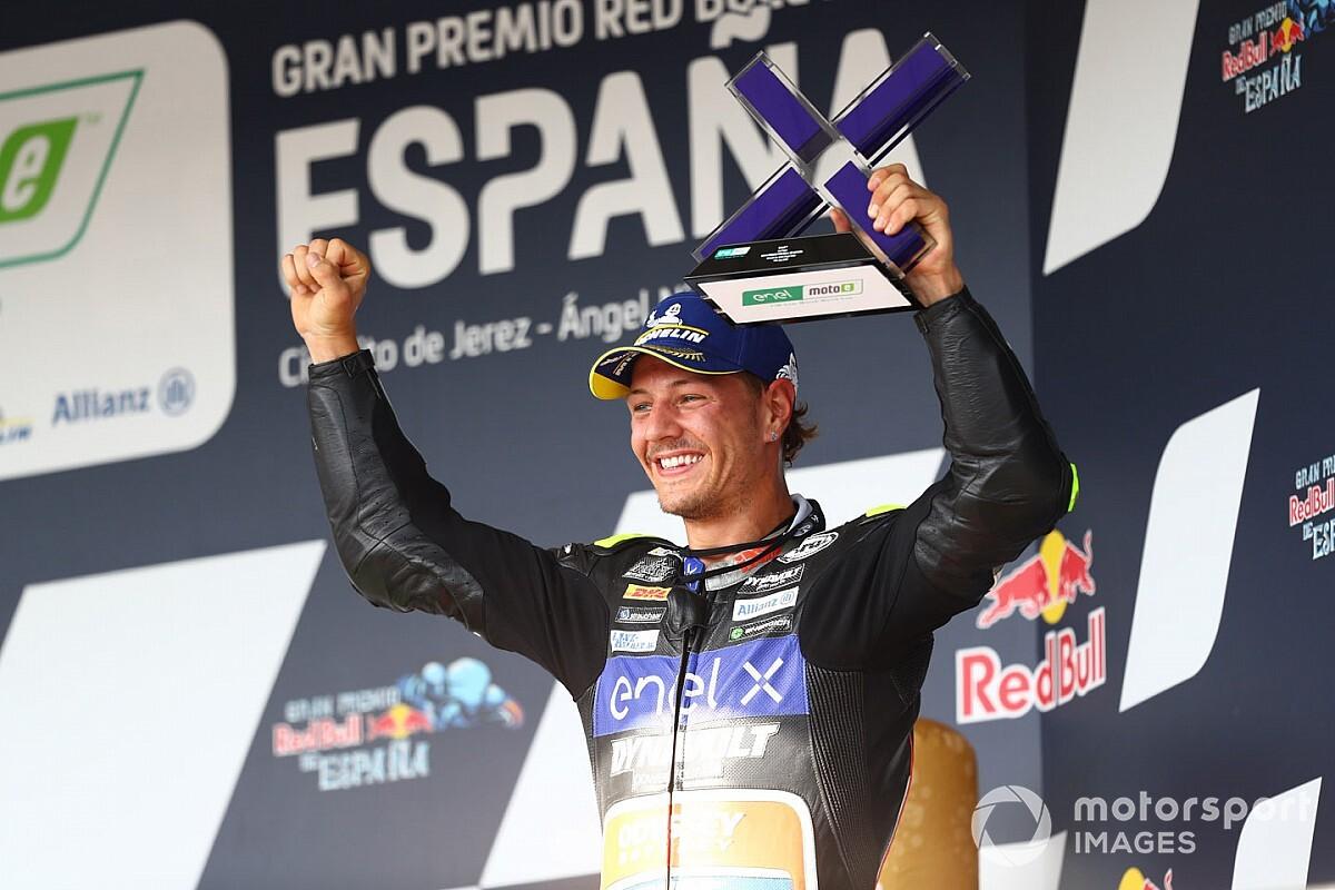 Moto E, Andalusia: Aegerter domina in una gara piena di scontri