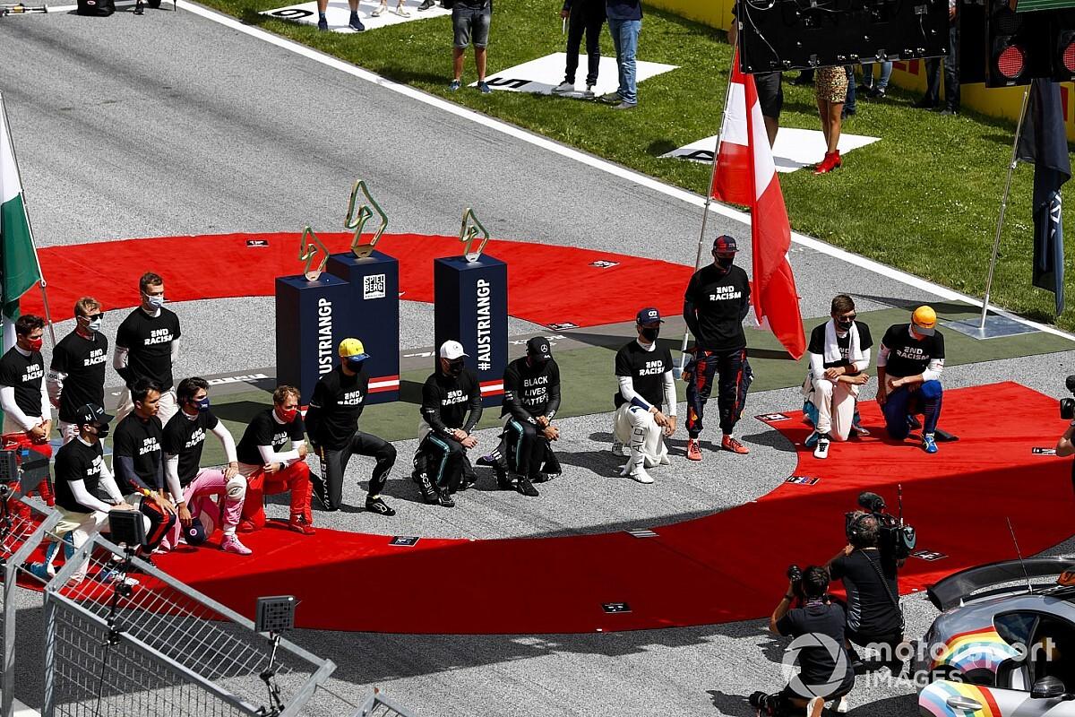 ¿Qué pilotos de F1 se arrodillaron antes de la carrera?