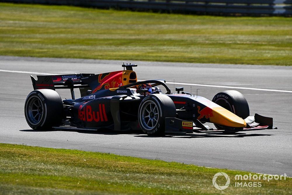 Silverstone F2: Schumacher la lía y Campos Racing repite podio