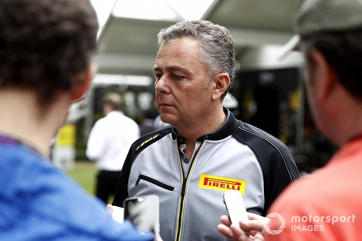 El jefe de Pirelli F1 ayuda conduciendo ambulancias