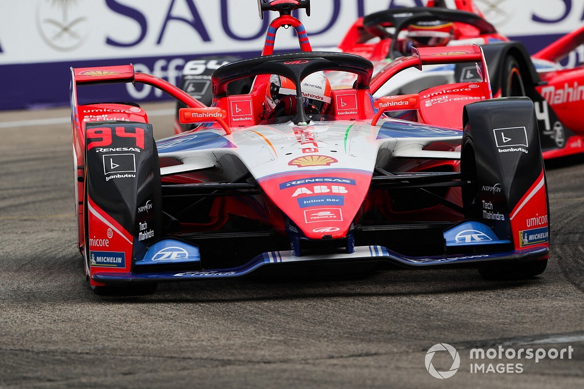 Sims joins Mahindra from BMW for 2020/21 Formula E season