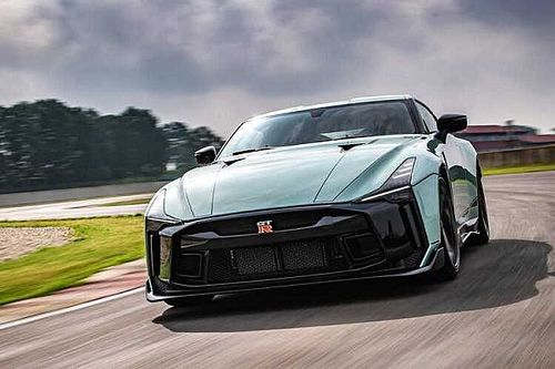 Посмотрите на первый серийный Nissan GT-R за 78 млн рублей