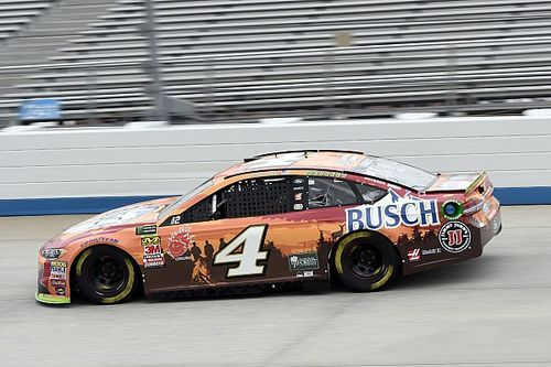Kevin Harvick dominates opening stage at Dover
