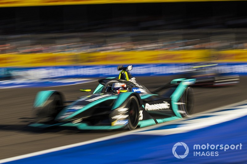 Nelsinho Piquet almeja boa classificação em Santiago