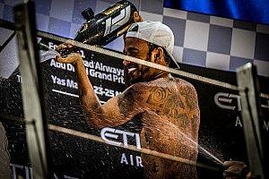 Hamiltont választották az év versenyzőjének