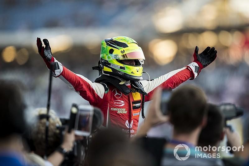 """Mick Schumacher peut avoir du succès en F1, """"peut-être"""" avec Mercedes"""