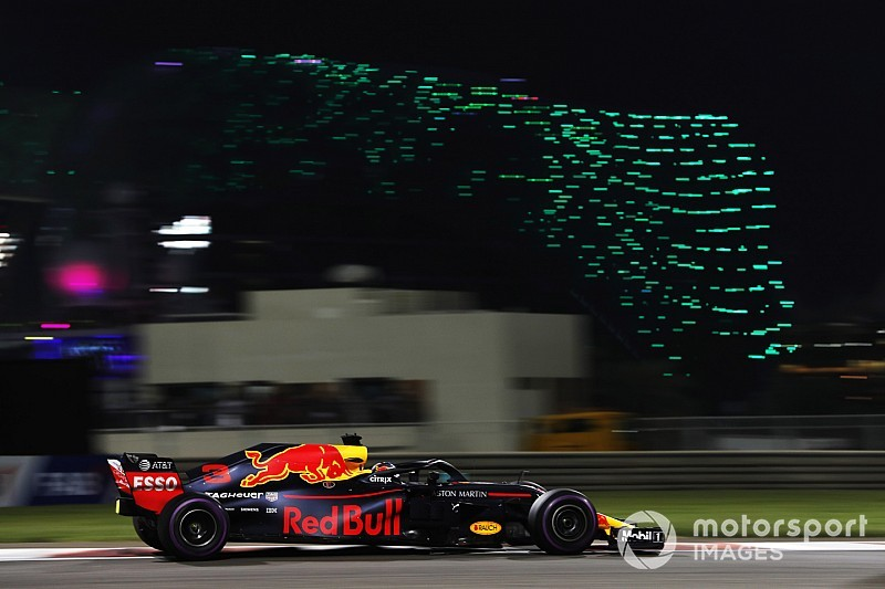 "Ricciardo says his strategy put leaders ""out of reach"""