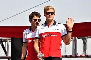 Leclerc 30 pontos előnnyel köszönt el Ericssontól, aki távozik az F1-ből