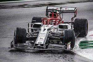"""Raikkonen dice que la F1 parece """"ridícula"""" por no rodar con lluvia"""