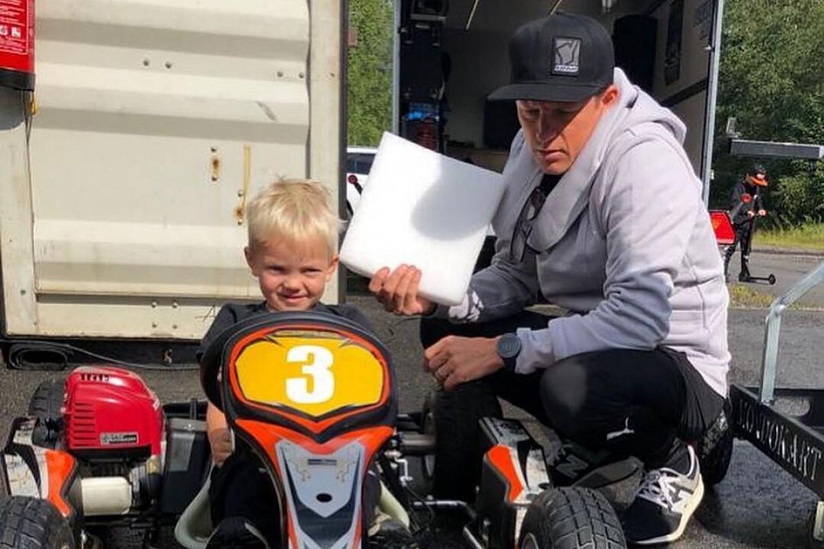 Raikkonen, oğlu Robin'i kartinge başlattı