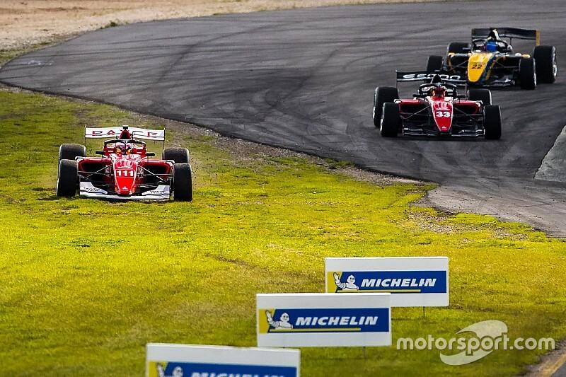 Barrichello explains first lap S5000 scrap