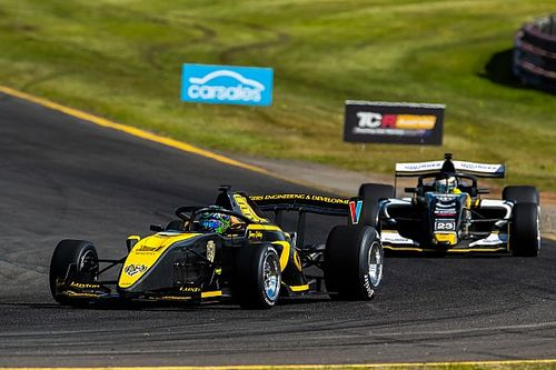 Sandown S5000: Brabham crash helps Golding to win