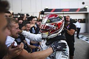 A Mercedesnek nyugtatnia kellett Hamiltont