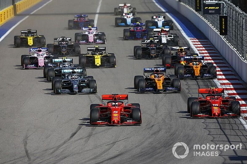 """Vettel: """"Con Charles c'era un accordo. Forse mi sono perso qualcosa"""""""
