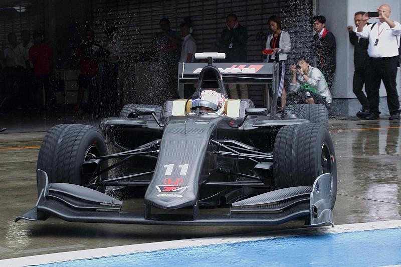 スーパーフォーミュラ次期マシンSF19が日本初走行、シェイクダウン開始