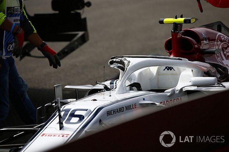 Vídeo: Whiting cree que la rueda de Alonso habría golpeado a Leclerc